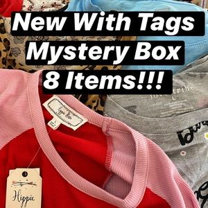 New With Tags Mystery Reseller Box 8 Items…